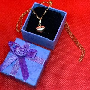 Jewelry - 18k Yellow Gold Necklace With Heart Pendant.